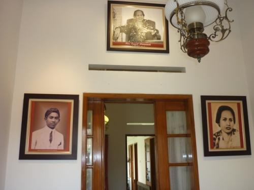 Ruang tengah Rumah Bersejarah Inggit Garnasih